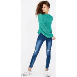 Jeansy capri skinny fit. Szare jeansy damskie marki Pull & Bear, moro. Za 59,90 zł.
