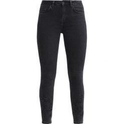 New Look CUT OUT HEM Jeansy Slim Fit black. Czarne jeansy damskie marki New Look, z materiału, na obcasie. Za 149,00 zł.
