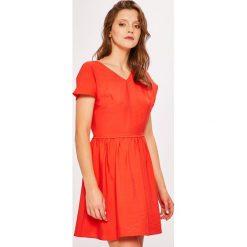 Armani Exchange - Sukienka. Czarne sukienki mini marki Armani Exchange, l, z materiału, z kapturem. W wyprzedaży za 599,90 zł.