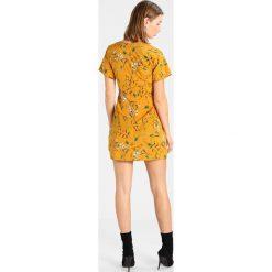Sukienki: Missguided FLORAL BUTTON FRONT SHORT SLEEVE MINI DRESS Sukienka koszulowa mustard