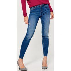 Rurki damskie: Jeansy regular skinny - Niebieski