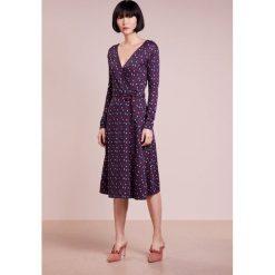 MAX&Co. CONTESO Sukienka dzianinowa midnight blue pattern. Czerwone sukienki dzianinowe marki MAX&Co., m. W wyprzedaży za 580,30 zł.