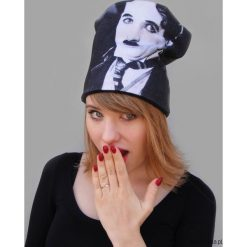 Czapka #chaplin. Szare czapki damskie marki Pakamera, na zimę, z dzianiny. Za 93,00 zł.