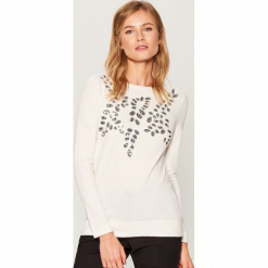 Sweter z połyskującą aplikacją - Kremowy. Białe swetry klasyczne damskie marki Mohito, l. Za 119,99 zł.