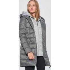 Płaszcze damskie: Pikowany płaszcz z podwójnym kapturem - Jasny szary