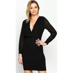 Czarna Sukienka Seductive Back. Sukienki małe czarne Born2be, s, z kopertowym dekoltem, z długim rękawem, dopasowane. Za 89,99 zł.