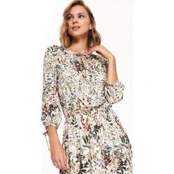 DŁUGA SUKIENKA W KWIATY W STYLU BOHO. Szare długie sukienki marki Top Secret, na jesień, w kwiaty, boho, z długim rękawem. Za 189,99 zł.