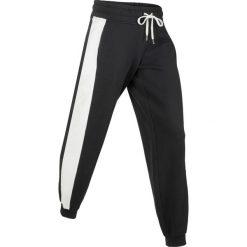 Spodnie dresowe z aksamitnymi wstawkami, długie, Level 1 bonprix czarny. Czarne spodnie sportowe damskie marki bonprix, z dresówki, na fitness i siłownię. Za 89,99 zł.