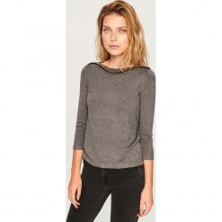 Sweter z aplikacją z koralików - Szary. Szare swetry klasyczne damskie Reserved, l. Za 69,99 zł.