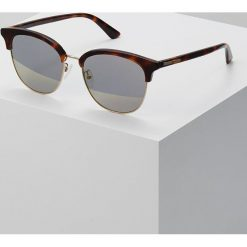 McQ Alexander McQueen Okulary przeciwsłoneczne brown. Brązowe okulary przeciwsłoneczne damskie aviatory McQ Alexander McQueen. W wyprzedaży za 428,35 zł.