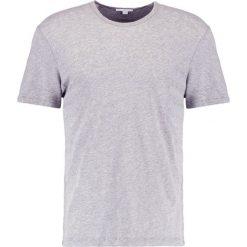 James Perse Tshirt basic heather grey. Szare koszulki polo James Perse, m, z bawełny. W wyprzedaży za 389,40 zł.