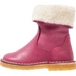 Pinocchio Botki fucsia. Czerwone buty zimowe damskie Pinocchio, z wełny. W wyprzedaży za 272,35 zł.