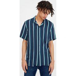 Koszule męskie na spinki: Koszula z krótkim rękawem w paski w granatowym kolorze