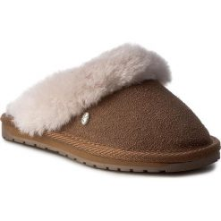 Kapcie EMU AUSTRALIA - Jolie Kids K11486 Chestnut. Brązowe kapcie dziewczęce EMU Australia, ze skóry. W wyprzedaży za 169,00 zł.