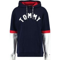 Kardigany męskie: Tommy Jeans COLORBLOCK HOODIE RELAXED FIT Bluza z kapturem black iris/multi
