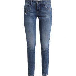 Freeman T. Porter CORALIE  Jeansy Slim Fit faddy. Niebieskie jeansy damskie relaxed fit marki Freeman T. Porter. Za 419,00 zł.