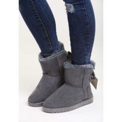 Szare Śniegowce Warm Night. Czarne buty zimowe damskie marki Cropp. Za 59,99 zł.