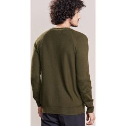 Johnstons Cashmere Sweter camouflage. Zielone swetry klasyczne męskie Johnstons Cashmere, m, z kaszmiru. W wyprzedaży za 1028,30 zł.