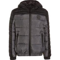 Redskins YOCONIC Kurtka zimowa black. Zielone kurtki chłopięce zimowe marki Redskins, z materiału. W wyprzedaży za 269,25 zł.