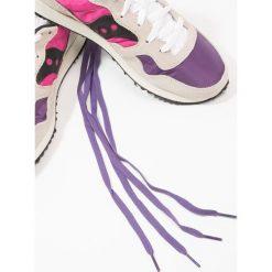 Saucony DXN VINTAGE Tenisówki i Trampki white/pink/purple. Brązowe tenisówki damskie Saucony, z materiału. W wyprzedaży za 356,15 zł.