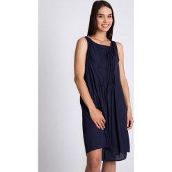 Sukienki: Granatowa rozkloszowana sukienka QUIOSQUE