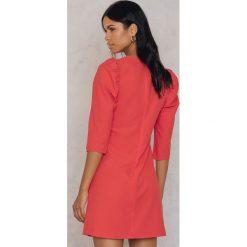 Sukienki: Trendyol Sukienka z podkreślonymi ramionami – Red,Orange