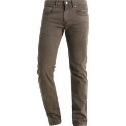 Baldessarini JACK Jeansy Straight Leg hellbraun. Brązowe jeansy męskie marki Baldessarini. W wyprzedaży za 399,20 zł.