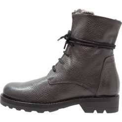Lilimill Botki sznurowane alce pidit. Szare buty zimowe damskie lilimill, z materiału, na sznurówki. W wyprzedaży za 382,85 zł.