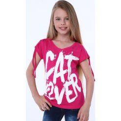 Bluzki dziewczęce z krótkim rękawem: Bluzka dziewczęca z krótkim rękawem i napisem amarantowa NDZ81690