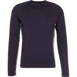 J.LINDEBERG FILE Sweter plum. Czarne swetry klasyczne męskie J.LINDEBERG, l, z jedwabiu. W wyprzedaży za 381,75 zł.