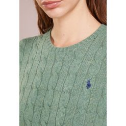 Polo Ralph Lauren JULIANNA Sweter resort green heat. Zielone swetry klasyczne damskie Polo Ralph Lauren, m, z kaszmiru, polo. Za 629,00 zł.