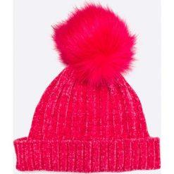 Tally Weijl - Czapka. Czerwone czapki zimowe damskie TALLY WEIJL, na zimę, z dzianiny. W wyprzedaży za 19,90 zł.