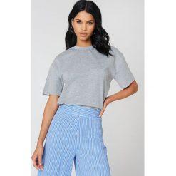 Bluzy damskie: NA-KD Basic Bluza oversize z krótkim rękawem - Grey