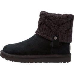 UGG SAELA Śniegowce black. Czarne buty zimowe damskie Ugg, z materiału. Za 849,00 zł.