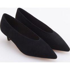 Skórzane czółenka - Czarny. Czarne buty ślubne damskie Reserved. Za 199,99 zł.