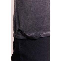 Patrizia Pepe Tshirt basic black. Czarne koszulki polo Patrizia Pepe, l, z bawełny. W wyprzedaży za 272,35 zł.