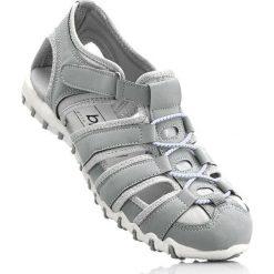 Sandały bonprix jasnoszary. Szare buty sportowe damskie marki bonprix, z materiału. Za 74,99 zł.
