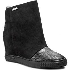 Botki CARINII - B3682 E07-360-H87-B88. Czarne buty zimowe damskie Carinii, z nubiku. W wyprzedaży za 269,00 zł.