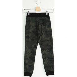 Chinosy chłopięce: Moro Spodnie Dresowe Small Soldier