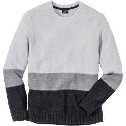 Sweter z okrągłym dekoltem Regular Fit bonprix jasnoszary melanż + szary melanż + antracytowy melanż. Szare swetry klasyczne męskie marki bonprix, m, melanż, z okrągłym kołnierzem. Za 49,99 zł.