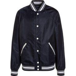 GANT VARSITY JACKET Kurtka Bomber dark blue. Szare kurtki chłopięce marki GANT, z bawełny. Za 839,00 zł.