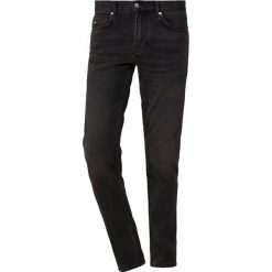 J.LINDEBERG JAY KHOL Jeansy Slim Fit black. Czarne jeansy męskie relaxed fit J.LINDEBERG. Za 519,00 zł.