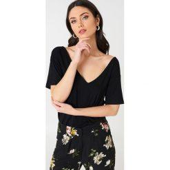 T-shirty damskie: Rut&Circle T-shirt Julia Cross – Black