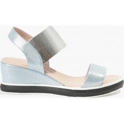 Sandały niebieskie Adelina. Niebieskie sandały damskie Badura. Za 151,99 zł.