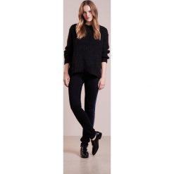 CLOSED LIZZY  Jeans Skinny Fit black/blue. Czarne jeansy damskie relaxed fit CLOSED, z bawełny. W wyprzedaży za 524,30 zł.