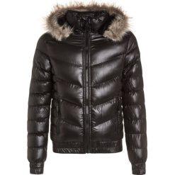 Lemon Beret Kurtka zimowa black. Czarne kurtki chłopięce zimowe marki bonprix. W wyprzedaży za 135,20 zł.
