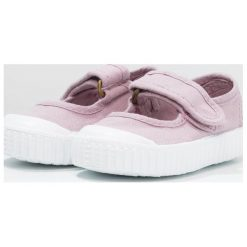 Victoria Shoes VELCRO TINTADA Baleriny z zapięciem violeta. Fioletowe baleriny dziewczęce marki Victoria Shoes, z materiału. Za 159,00 zł.