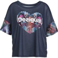 Desigual Tshirt z nadrukiem petrol. Niebieskie t-shirty damskie Desigual, s, z nadrukiem, z poliesteru. Za 179,00 zł.