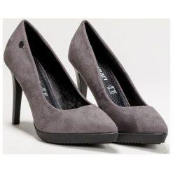 Czółenka z eko zamszu. Szare buty ślubne damskie Monnari, ze szpiczastym noskiem. Za 71,70 zł.