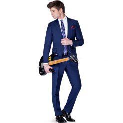 Garnitur Navy Amazon. Niebieskie garnitury marki LANCERTO, z bawełny. W wyprzedaży za 599,90 zł.